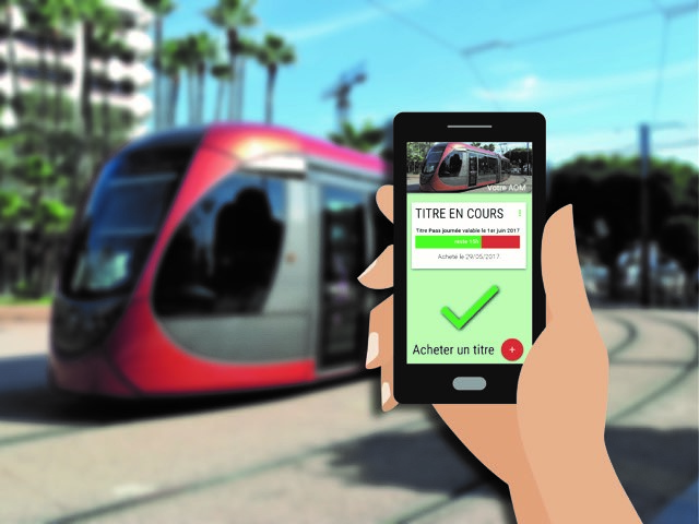 transport-mobile-titre-sur-smartphone-smart-navigo-ile-de-france